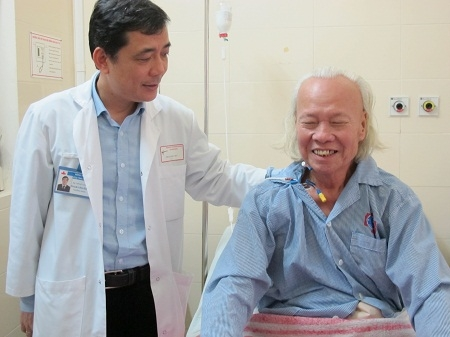 Loại bỏ khối u nặng hơn 10kg cho cụ già 84 tuổi