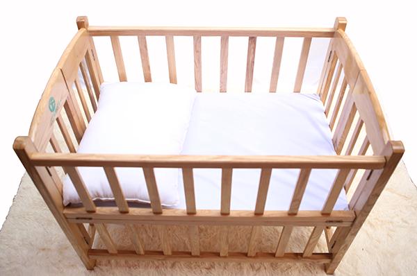 Cũi gỗ sồi cho bé sơ sinh 2