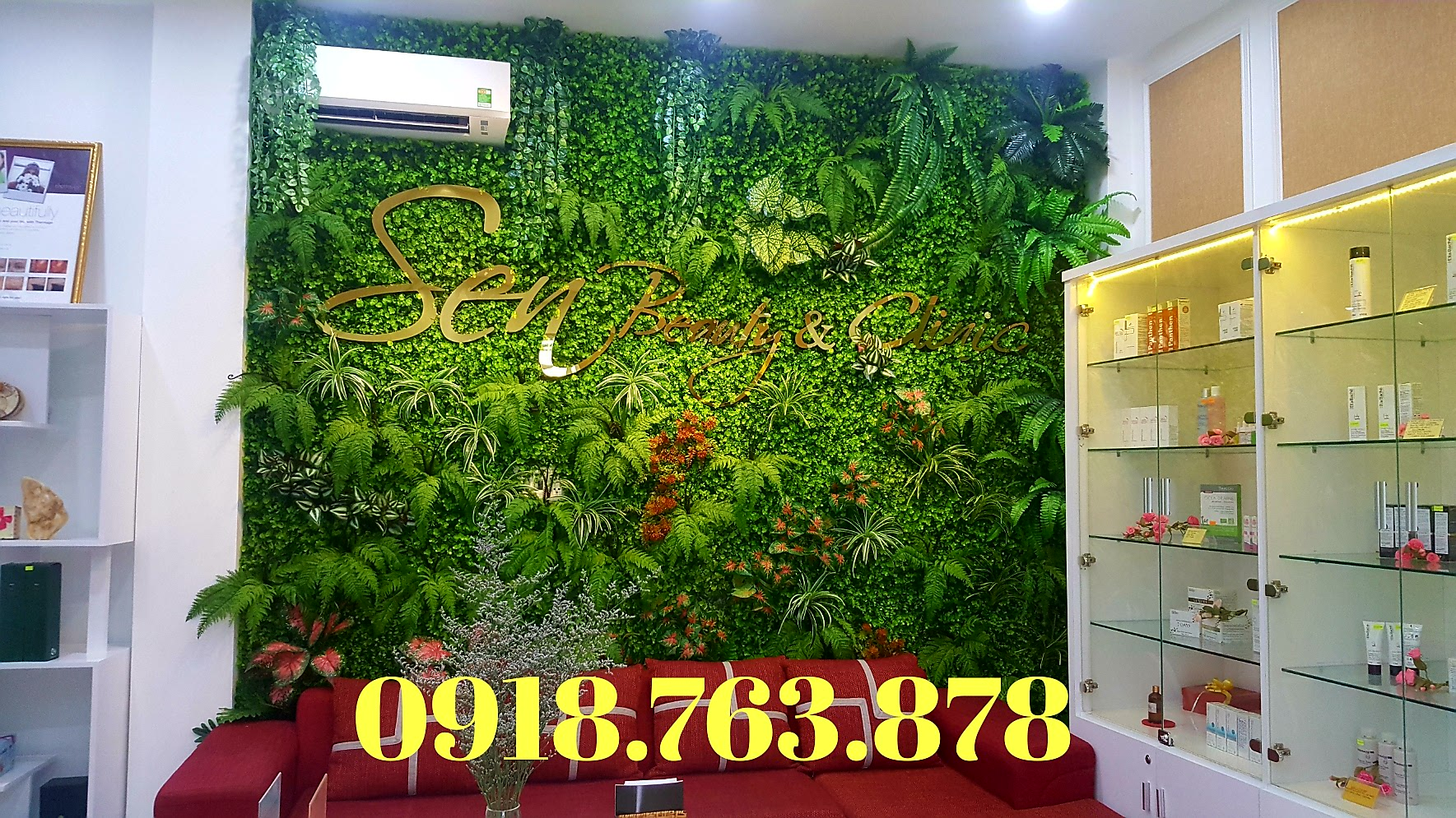 Tường cây lá giả, tường cây cỏ nhựa làm đẹp cho văn phòng quận 1