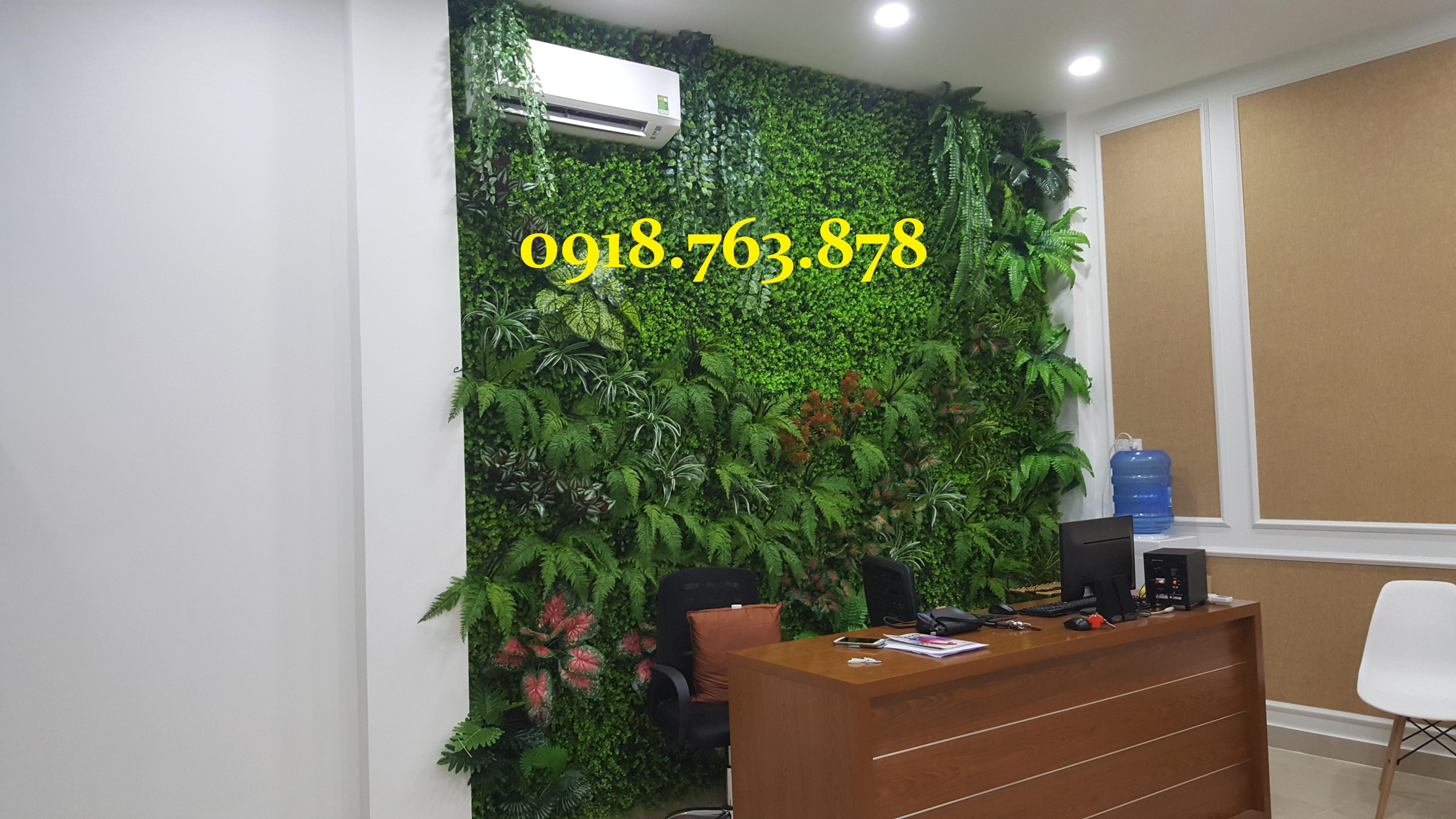 Thi công tường cây giả ở quận Tân Phú, q Tân Phú tphcm, hcm