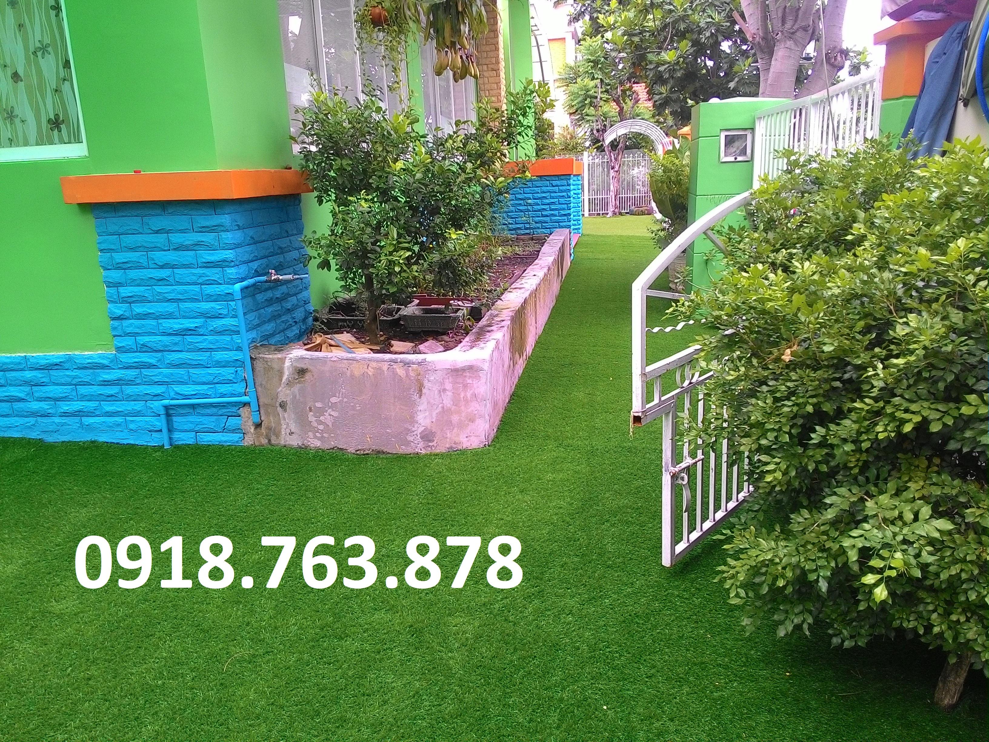 Thi công cỏ nhân tạo trang trí mầm non Kids World quận 7