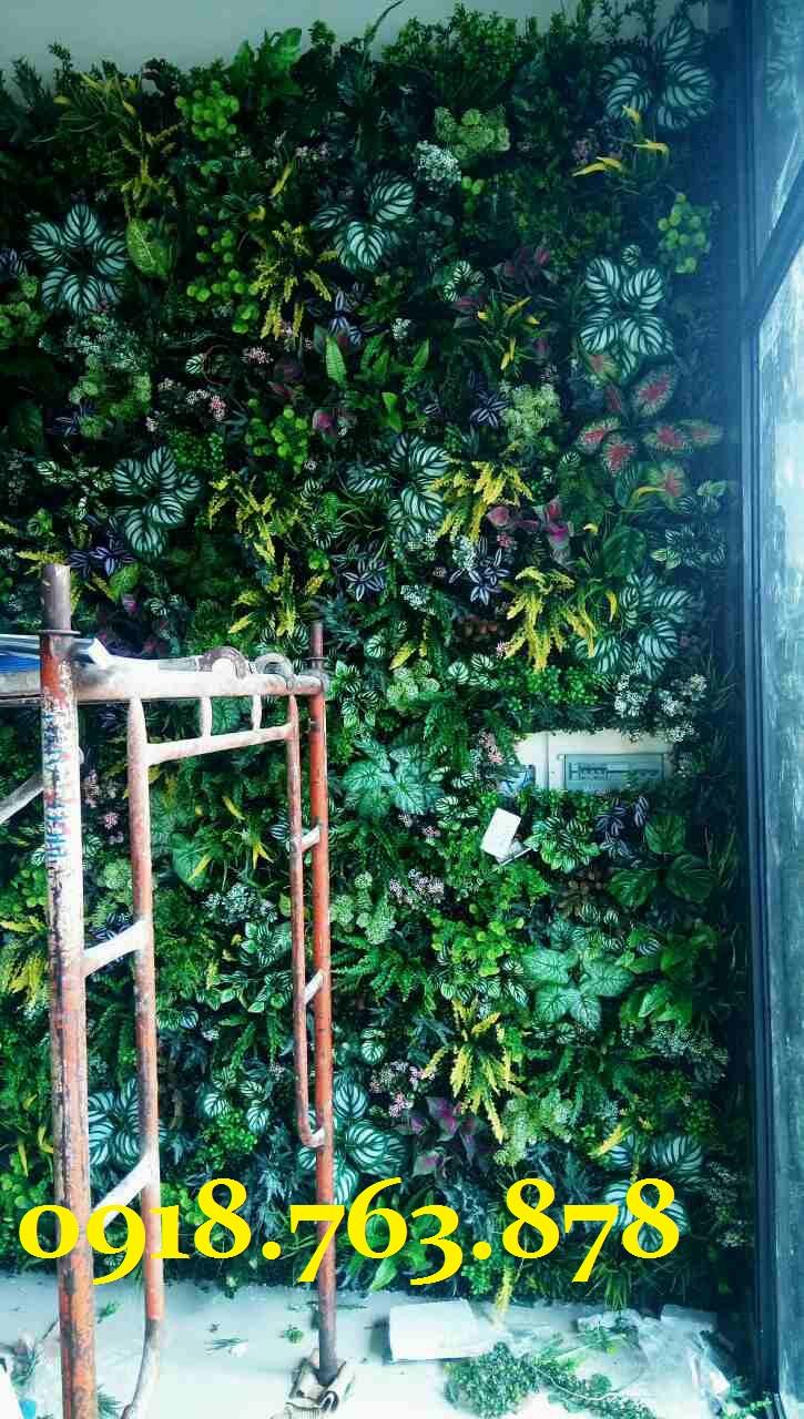 thi công tường cây giả quận gò vấp