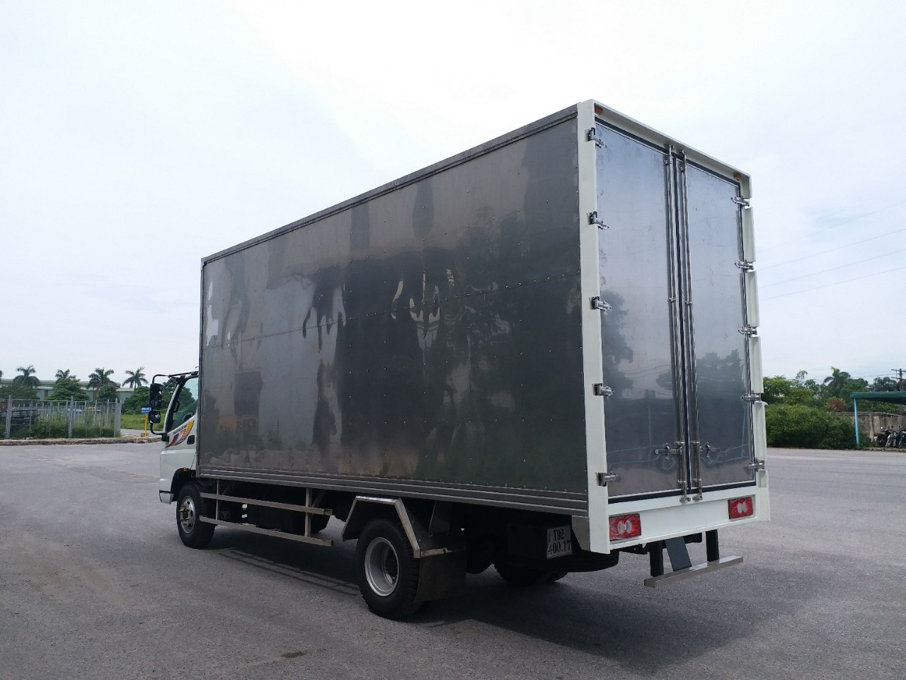 Thaco Ollin 700C thùng cao chở pallet