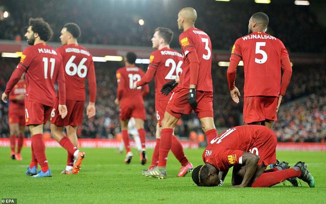 Liverpool có thể mất chức vô địch vì COVID -19