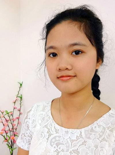 Cô gái tóc xù đỗ thủ khoa Ngoại thương chỉ nhờ ôn thi trên Viettel Study