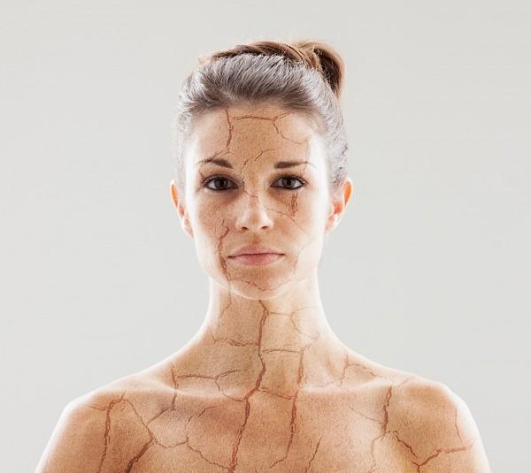 7 dấu hiệu nhận biết cơ thể cần bổ sung nước