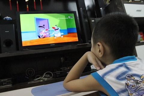 Quản lý việc xem tivi của trẻ nhỏ như thế nào để có hiệu quả?