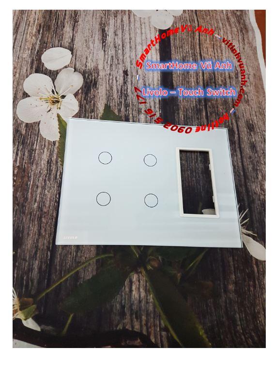 Công tắc cảm ứng 2 phím đôi có Socket mặt kính Livolo VL-C5-C2-C2-SR