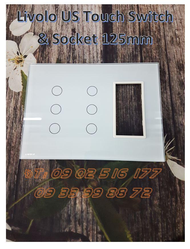 Công tắc cảm ứng 3 phím đôi có Socket Livolo VL-C5-C3-C3-SR