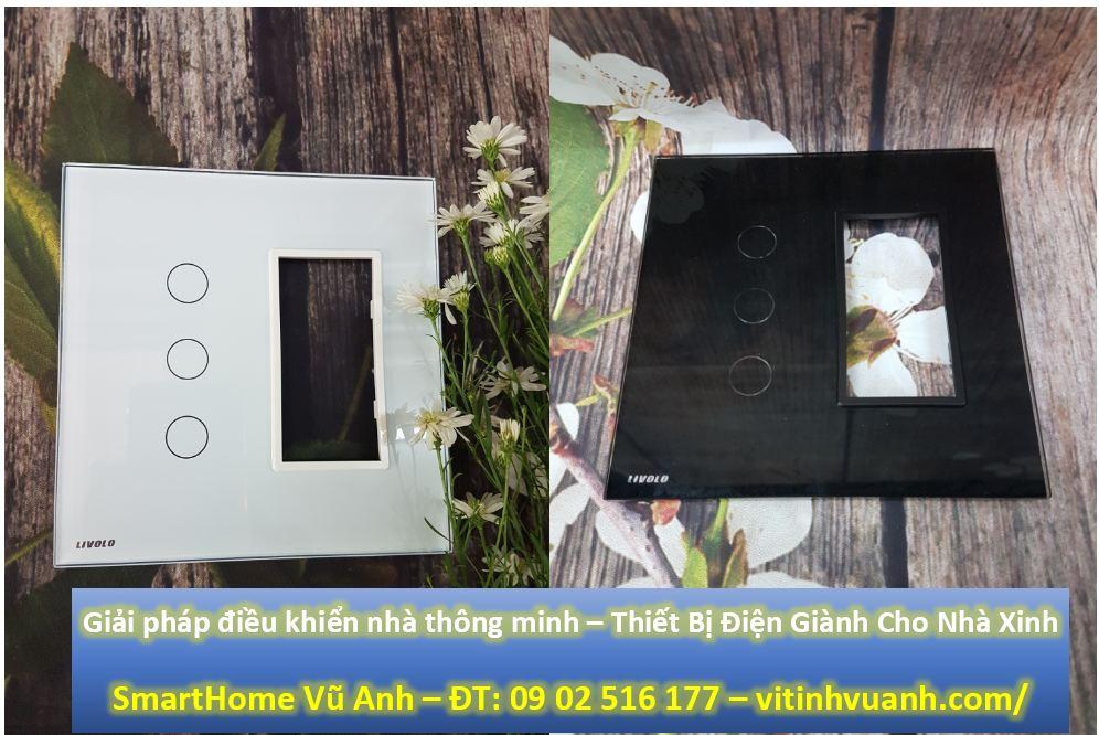 Công tắc cảm ứng 3 phím có Socket Livolo VL-C5-C3-SR