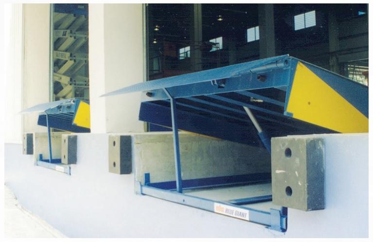 Cầu nâng - Dock leverler giúp giảm sức lao động nâng cao năng suất