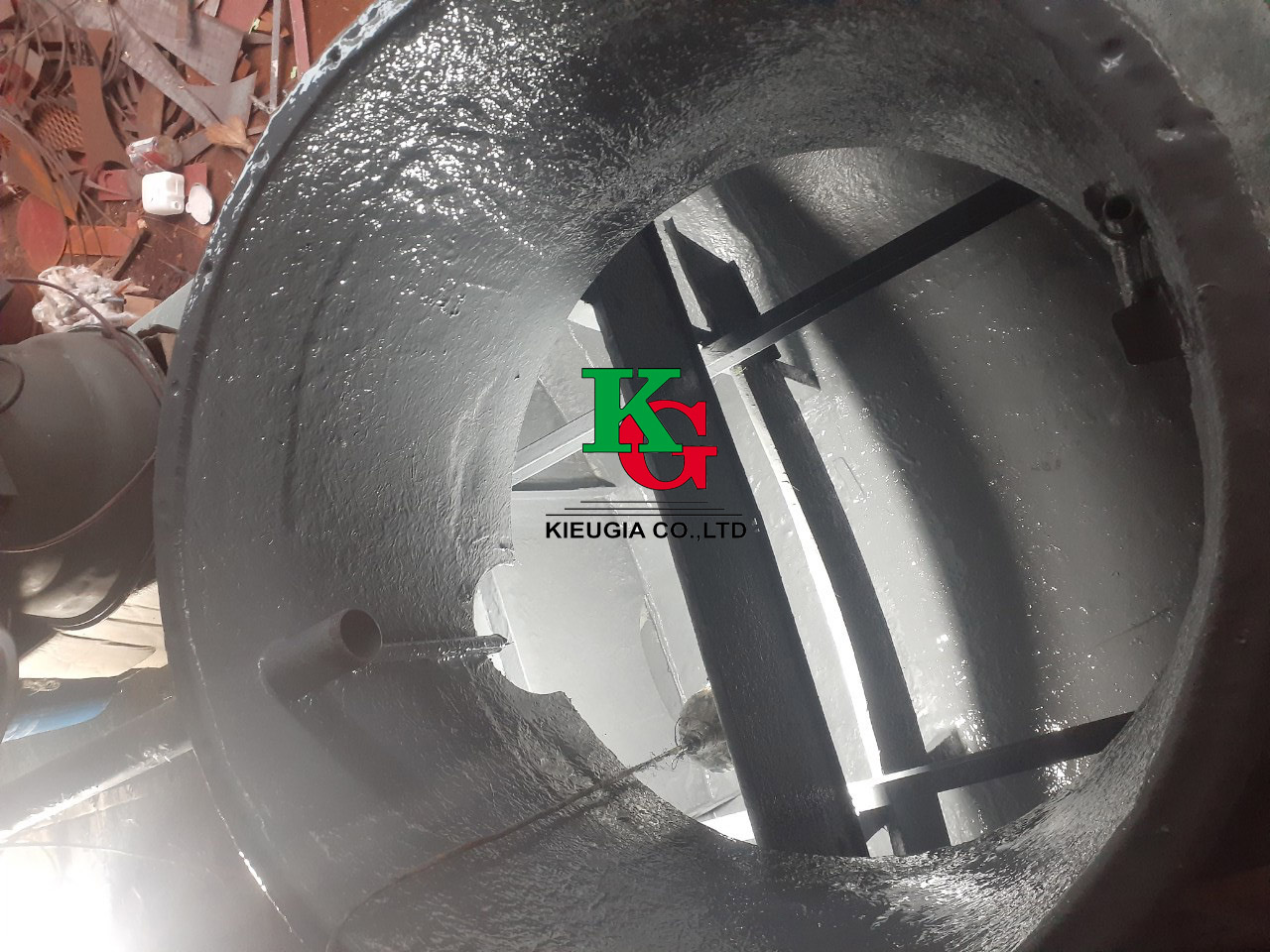 Bọc phủ FRP cho téc chứa hóa chất