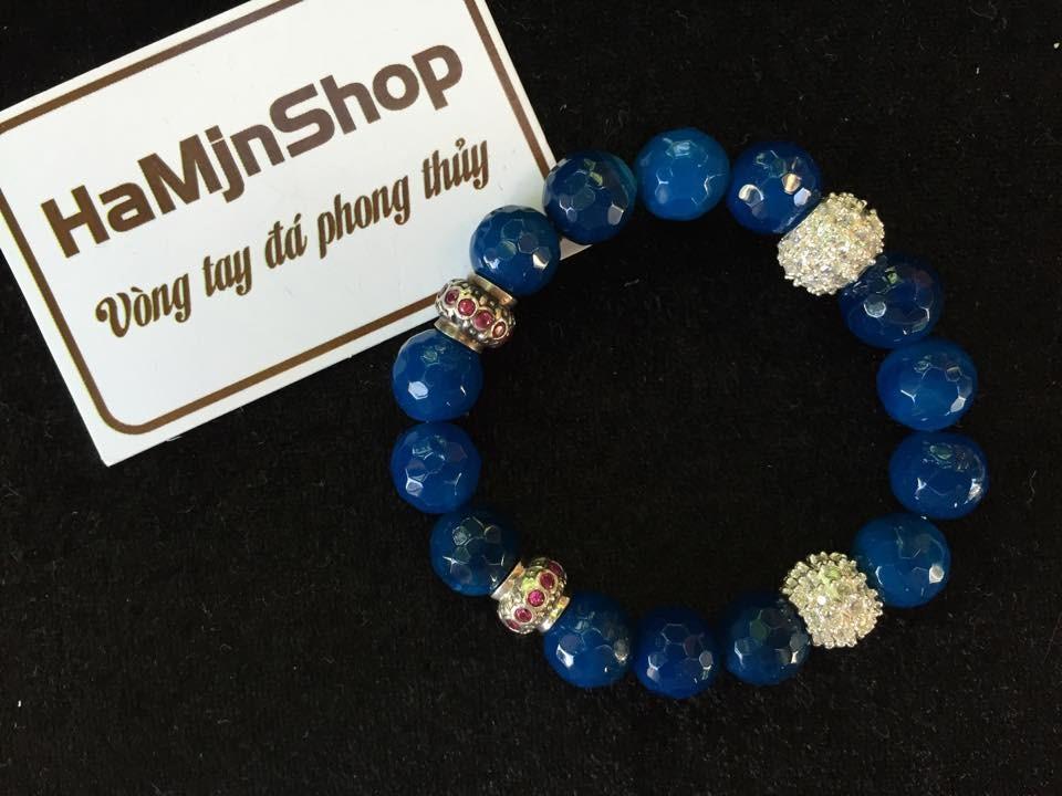 Vòng đá phong thủy thạch anh xanh dương gắn charm bạc B44