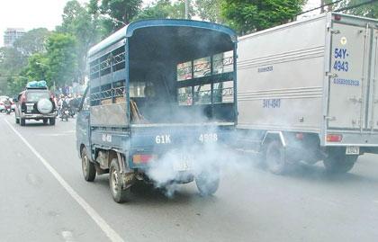 Khói sinh ra từ phương tiện giao thông gây ô nhiễm