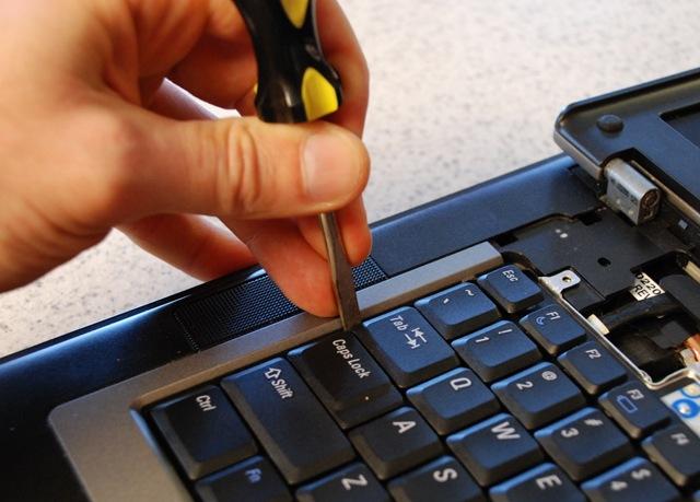 Thay bàn phím laptop Samsung rẻ nhất tại PC 115