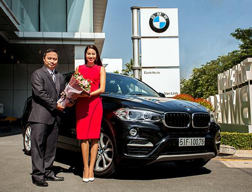 Hoa hậu Hoàn Vũ Phạm Hương chính thức trở thành chủ nhân mới của dòng xe BMW X6.