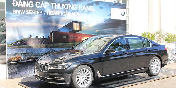 Euro Auto đồng hành cùng chương trình Vinh danh Top 100 Phong Cách Doanh Nhân 2015.