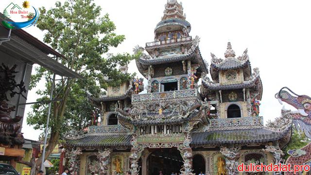Chùa Linh Phước Đà Lạt có kiến trúc lạ và độc đáo bậc nhất Việt Nam