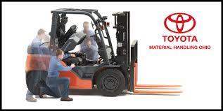 Sửa chữa xe nâng diesel Toyota 8FD25