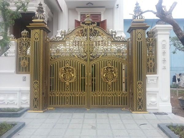 Lắp đặt cổng nhôm đúc - cổng sắt mỹ thuật Nghệ An, TP Vinh, Hà Tĩnh