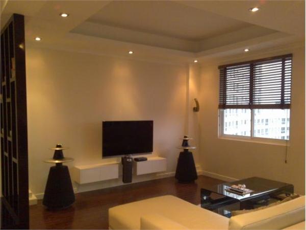 Bán căn hộ Him Lam Nam Khánh 2 phòng ngủ, view đẹp, giá 1.7 tỷ