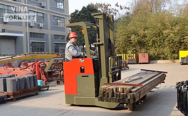 Xe nâng điện đứng lái 2.5 tấn