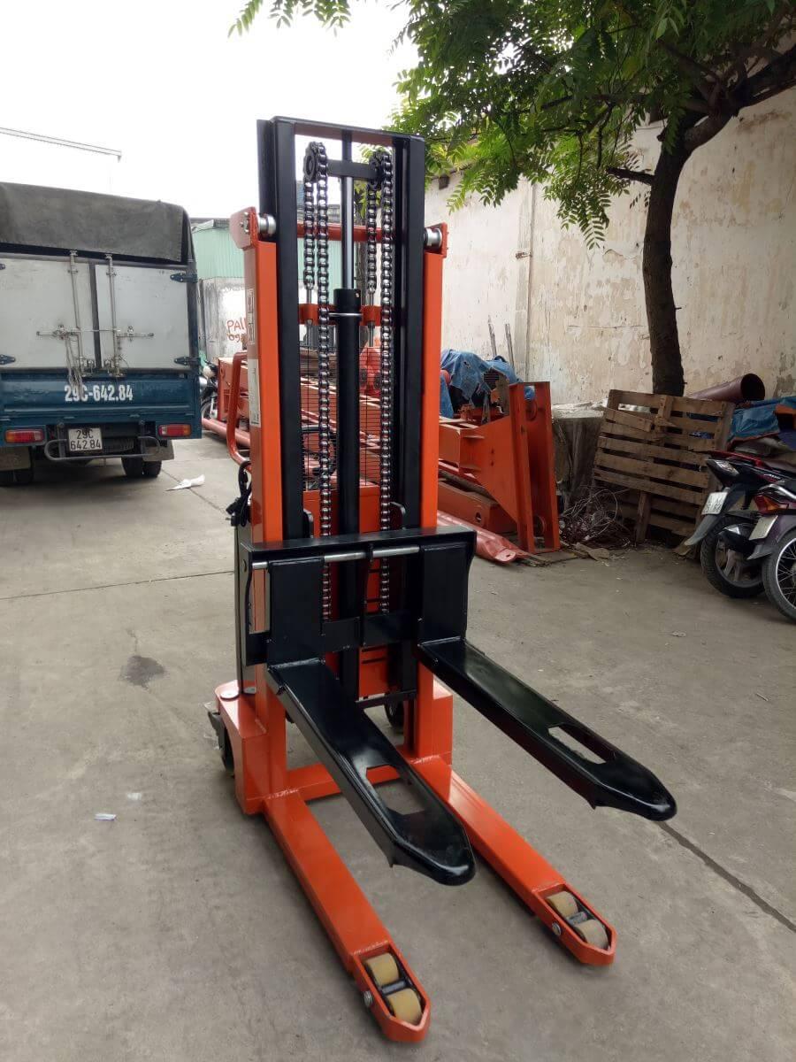 Xe nâng tay cao Niuli Trung Quốc 1 tấn