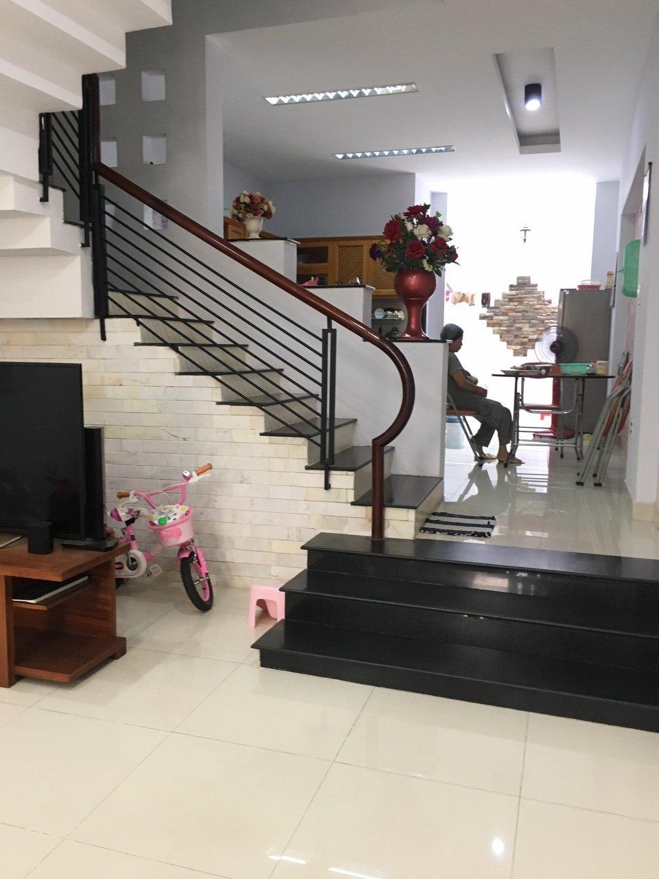 Bán biệt thự khu Kiều Đàm, diện tích 8x26m, giá 15.5 tỷ,  LH 0909477288