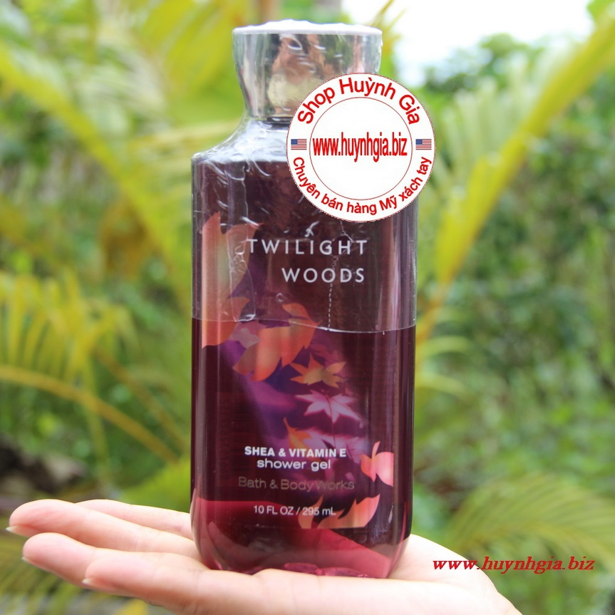 Sữa tắm mỹ phẩm Bath and body works Twilight Woods shower gel của Mỹ