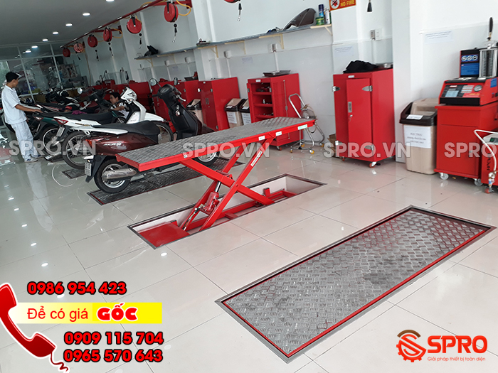 Tiệm sửa xe honda có nên mua bàn nâng xe máy không?
