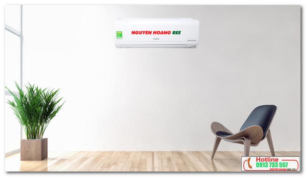 Máy lạnh Hitachi RAS-X13CD có thiết kế gọn gàng, màu trắng trang nhã