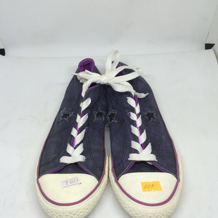 CONVERSE - SIZE 3- MS 124