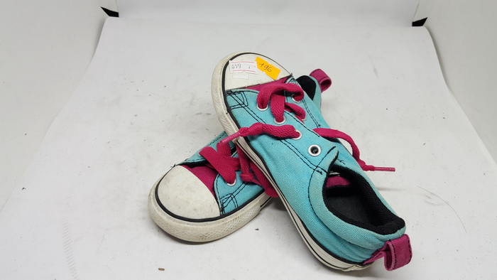 CONVERSE - SIZE 9- MS 196