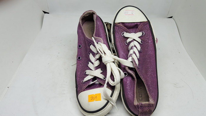 CONVERSE - SIZE 12- MS 201