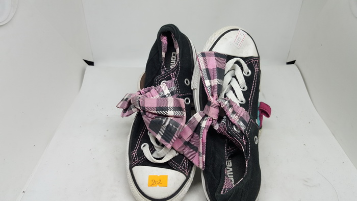 CONVERSE - SIZE 13- MS 202