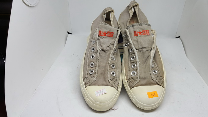 CONVERSE - SIZE 5- MS 205