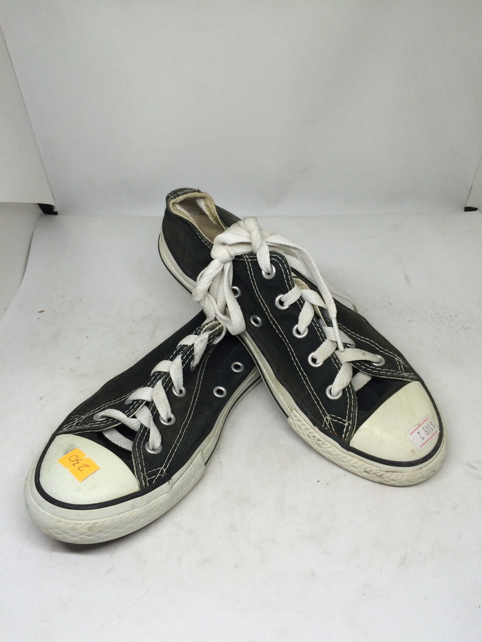 CONVERSE - SIZE 2- MS 230