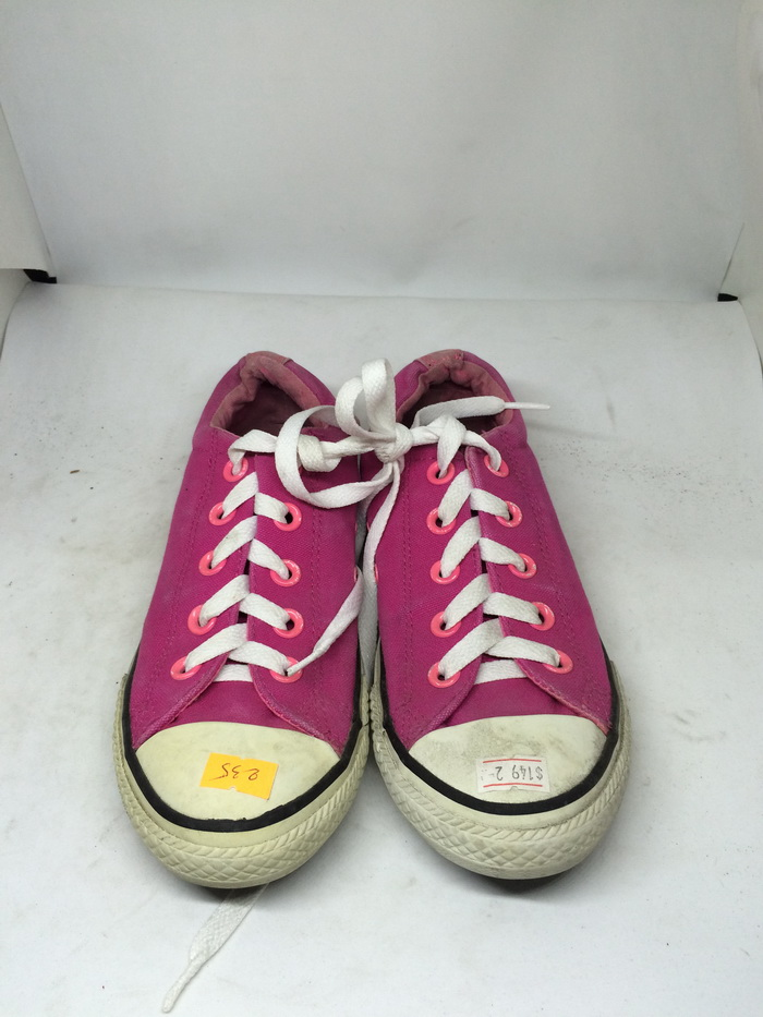 CONVERSE - SIZE 2- MS 235