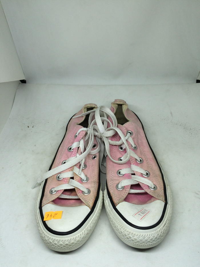 CONVERSE - SIZE 4- MS 246