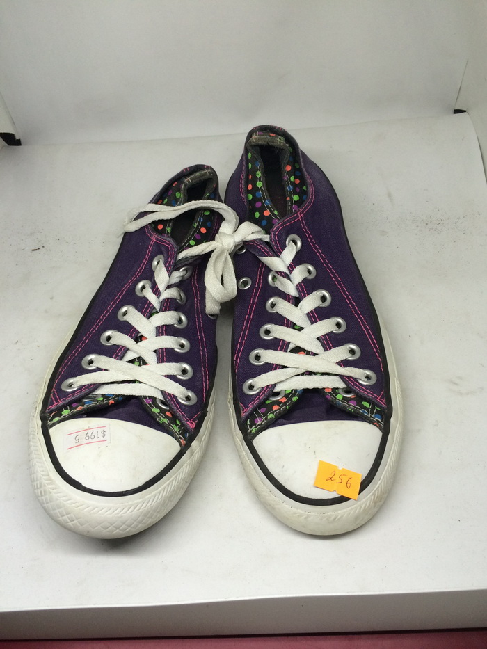 CONVERSE - SIZE 5- MS 256