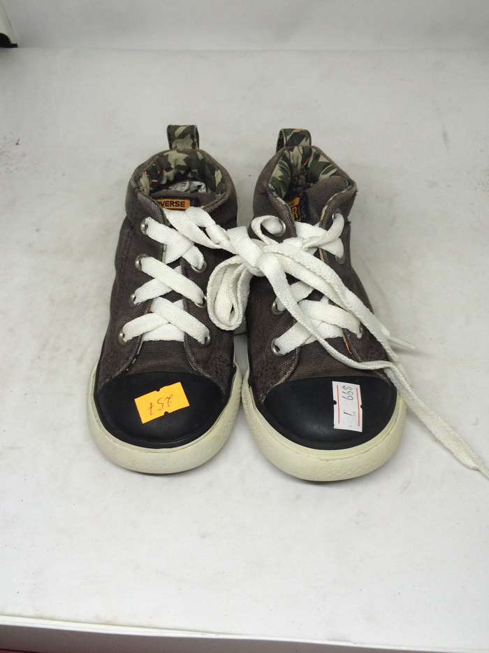 CONVERSE - SIZE 2- MS  257