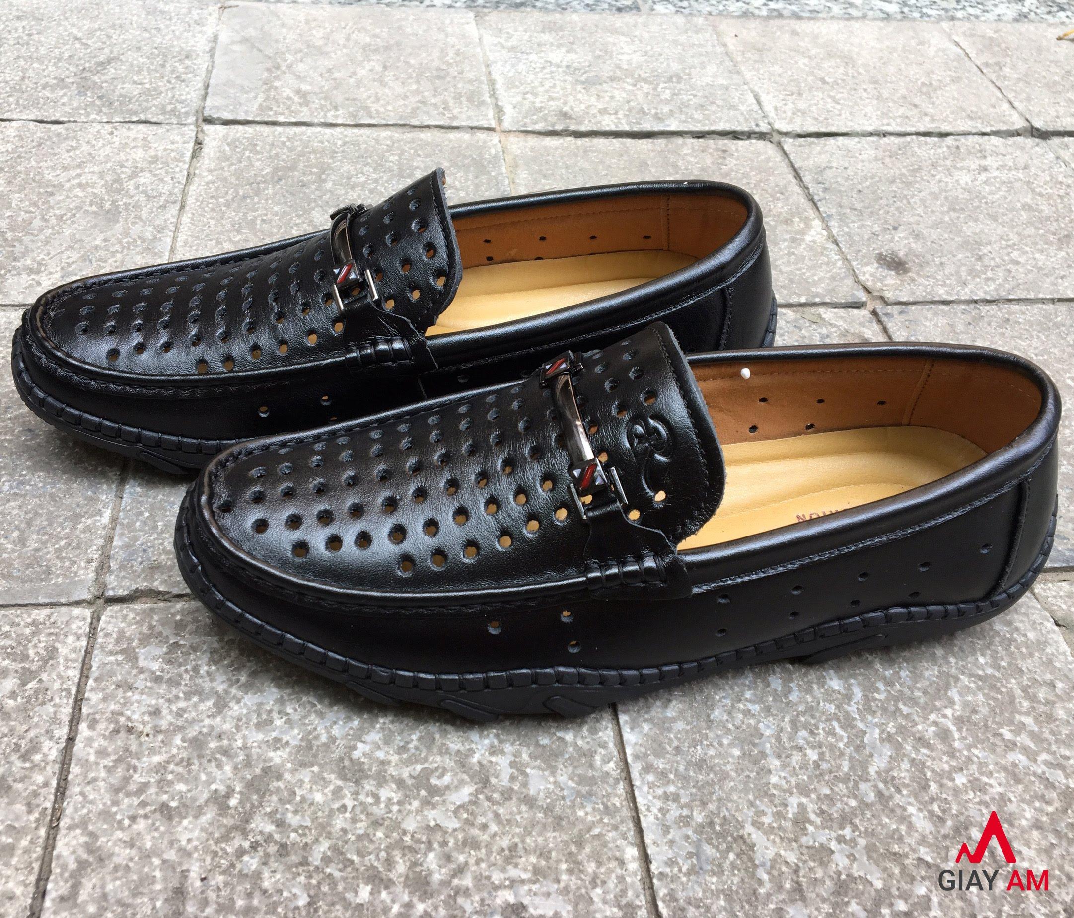 Giày lười lỗ đen đế đúc có chỉ khâu