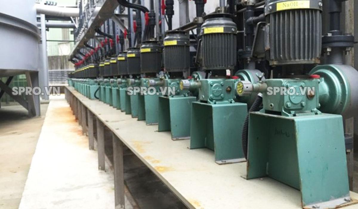 Máy bơm định lượng Nikkiso AHA 32 PVC công suất cao