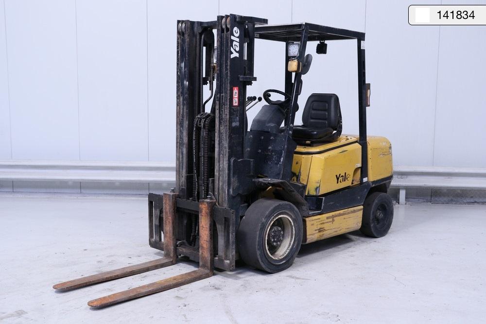 Xe nâng Yale cũ, model GDP-30-THJUA, tải trọng 3000 kg, năm sx 2000, hàng đẹp, chính hãng, giao nhanh