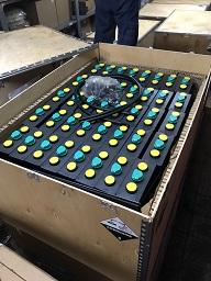 Bình ắc quy xe nâng hiệu MIDAC. Công suất 48V/325Ah, gồm 24 cell.