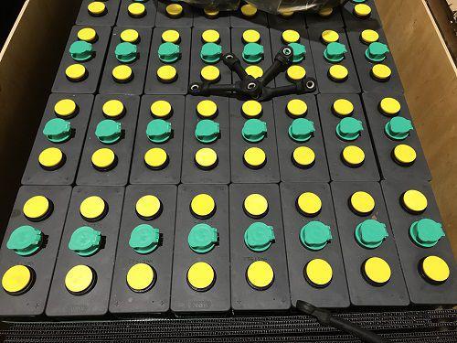 Bình ắc quy hiệu MIDAC dùng cho xe nâng, mới 100%. Công suất 48V275Ah, gồm 24 hộc bình