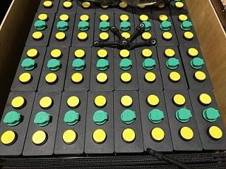 Bình ắc quy hiệu MIDAC, Công suất 48V/550Ah, gồm 24 hộc bình