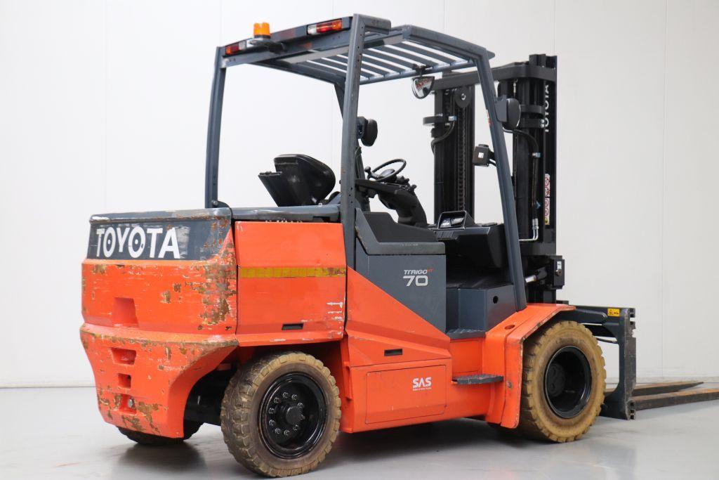 Xe nâng điện ngồi lái hiệu Toyota 8FBMHT70, V3200, 2013