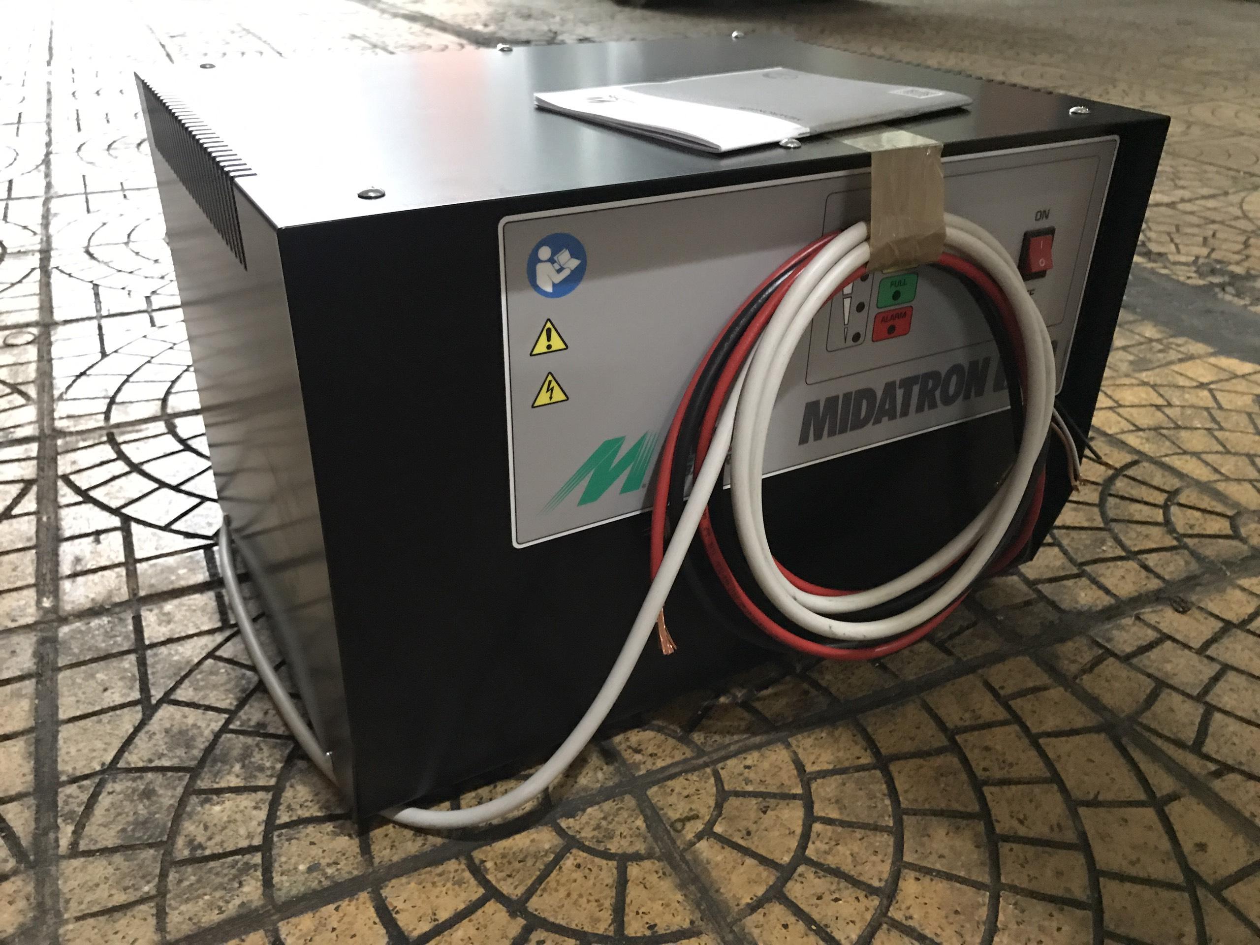 Máy sạc ắc quy xe nâng 72-80T (72V-80A)