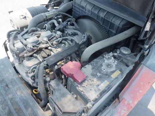Xe nâng dầu ngồi lái hiệu Toyota 02- 8FD25